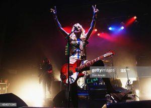 courtney love live girls who rock