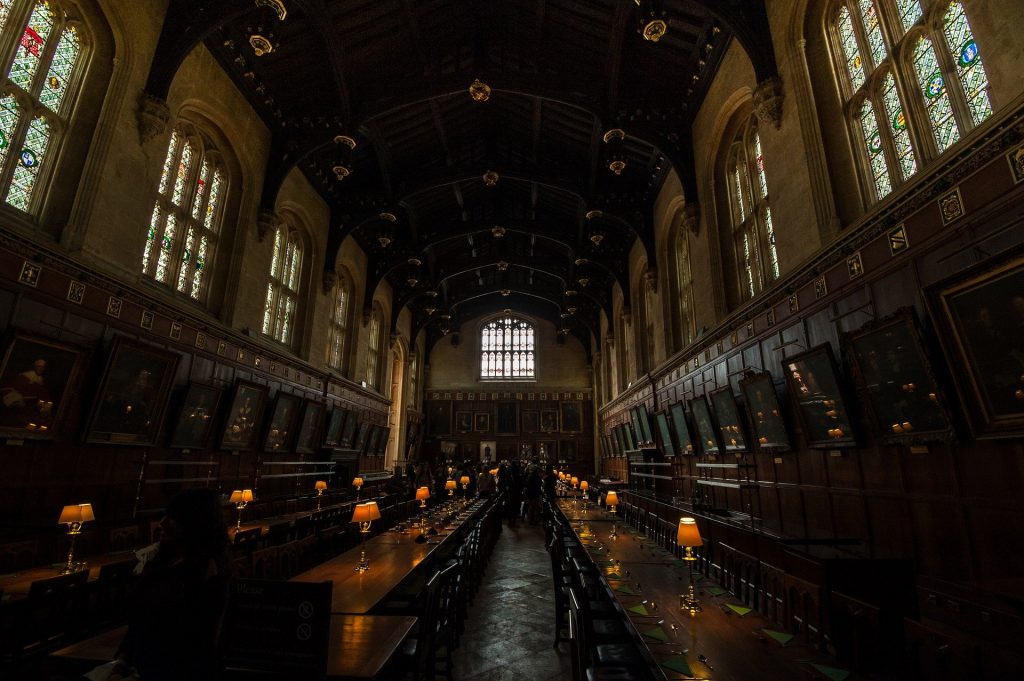hogwarts great hall - harry potter things to do before you die