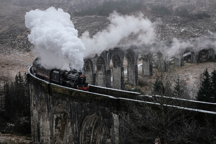 the hogwarts express - harry potter things to do before you die