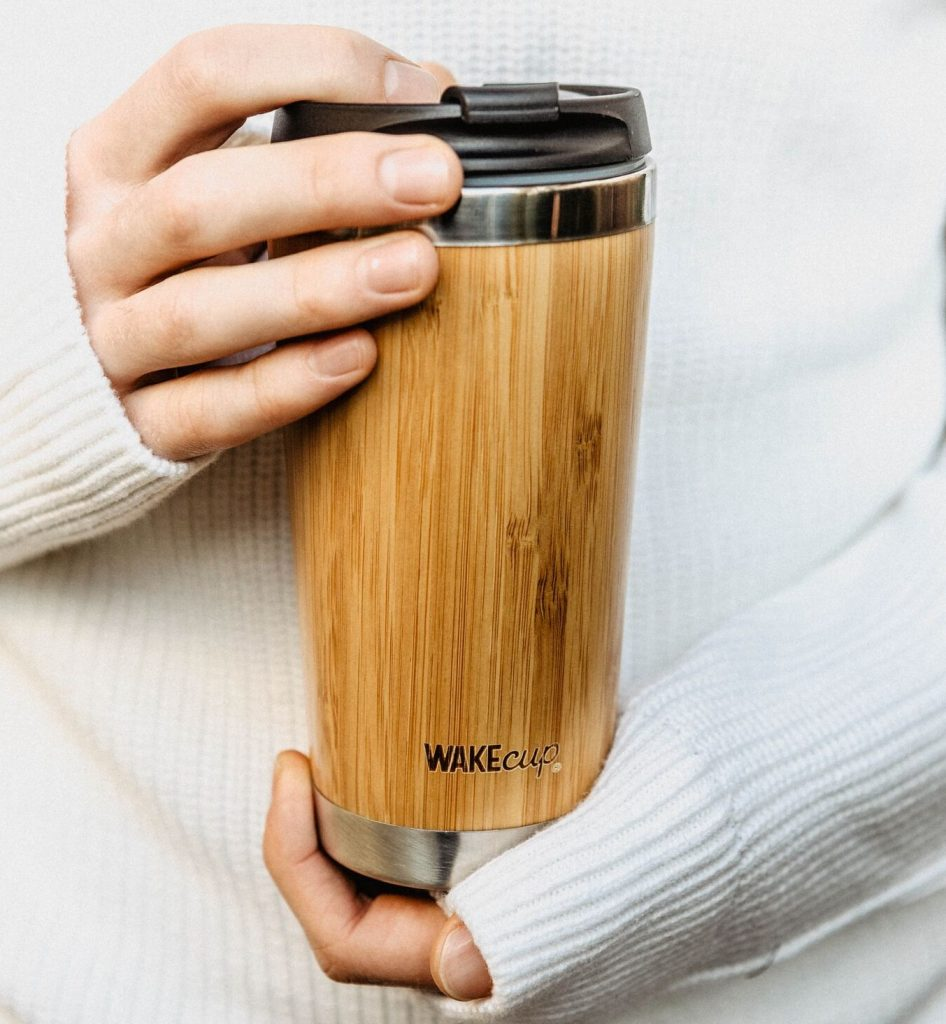 reusable coffee cup - how to drink tea and coffee sustainably