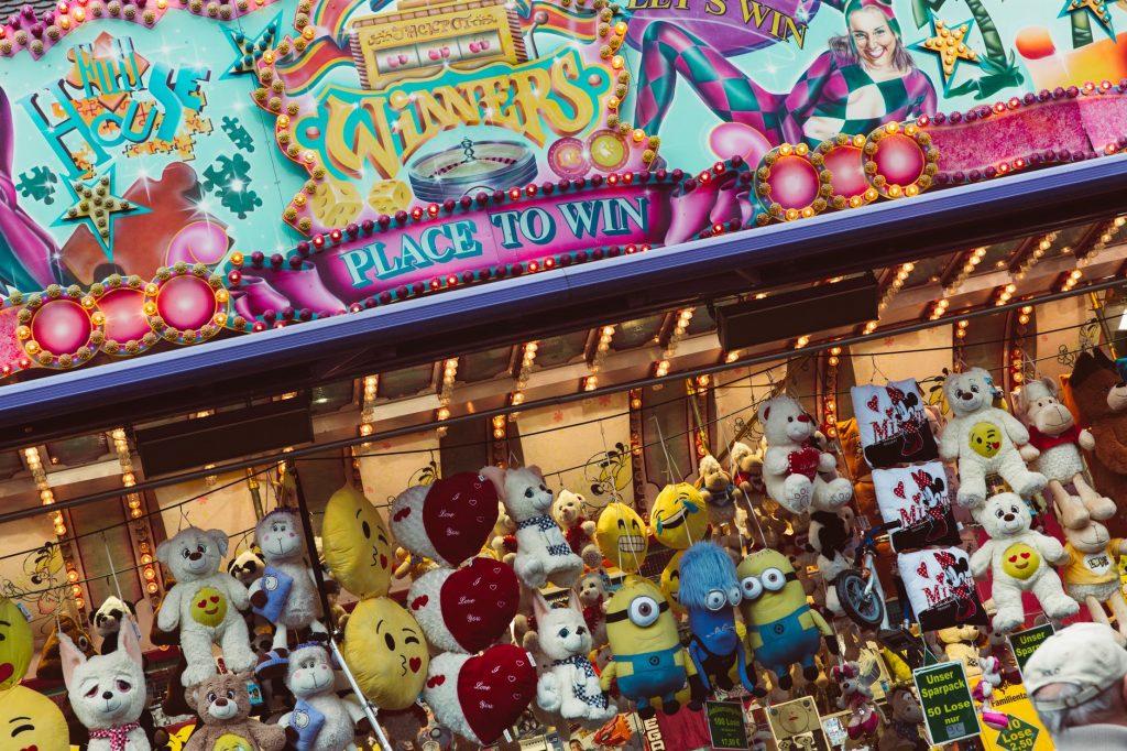 carnival pixar pier california disney adventure