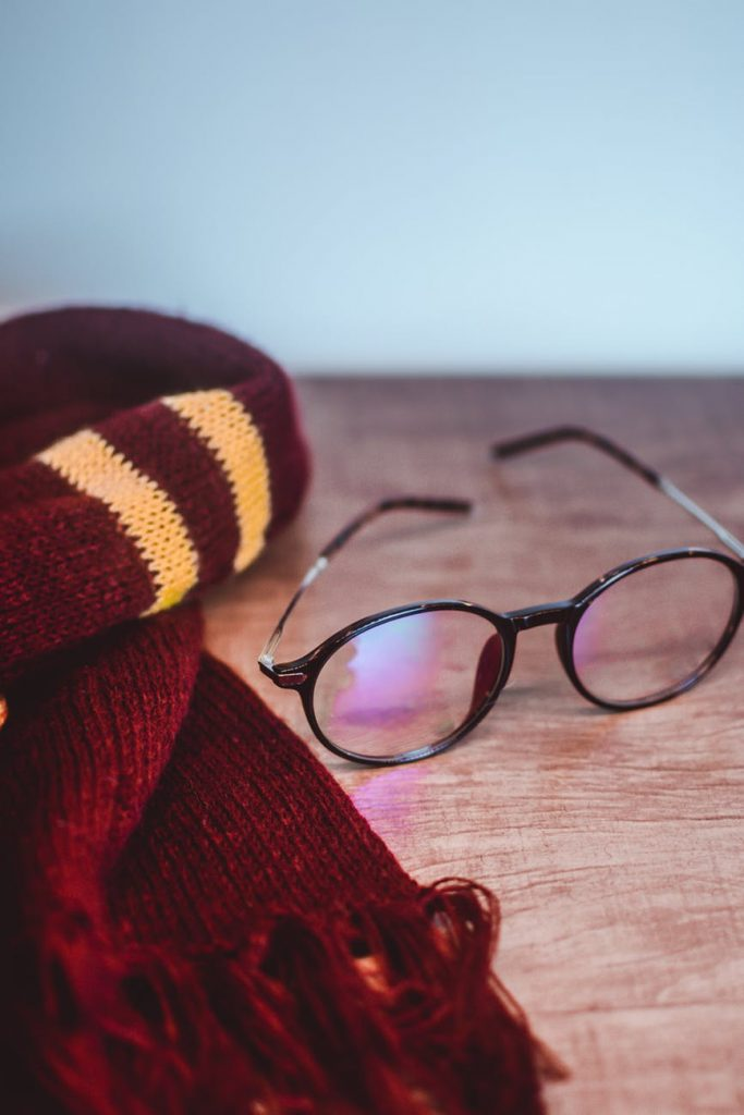 harry potter glasses and gryffindor scarf