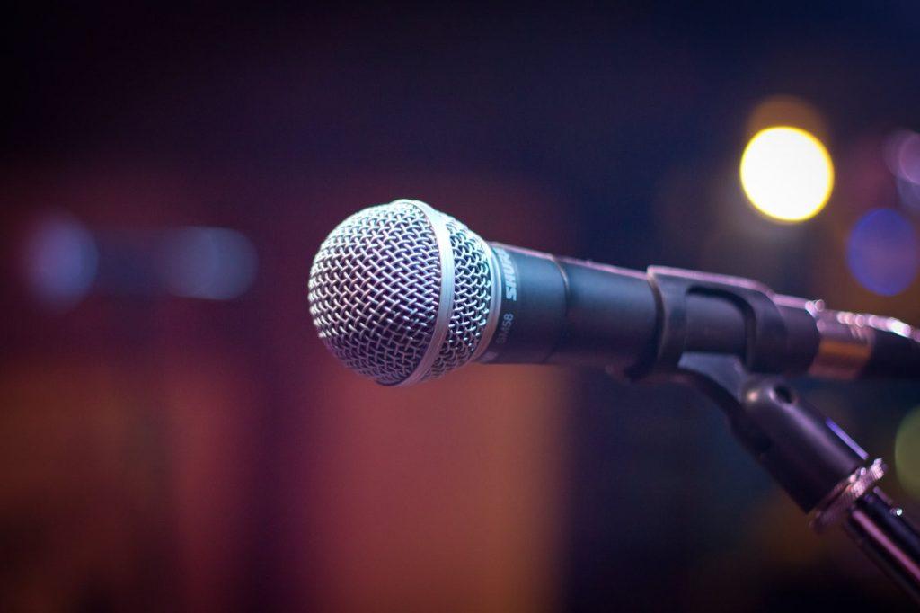 microphone - girls who rock