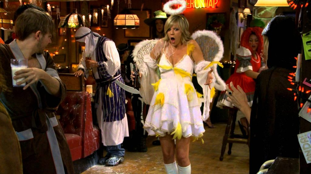 It's Always Sunny Halloween episode. Dee's bird costume is ruined - best Halloween TV specials