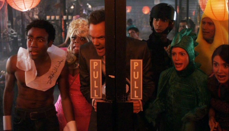 Community Halloween TV Specials ; epidemiology, the gang are locked in the library